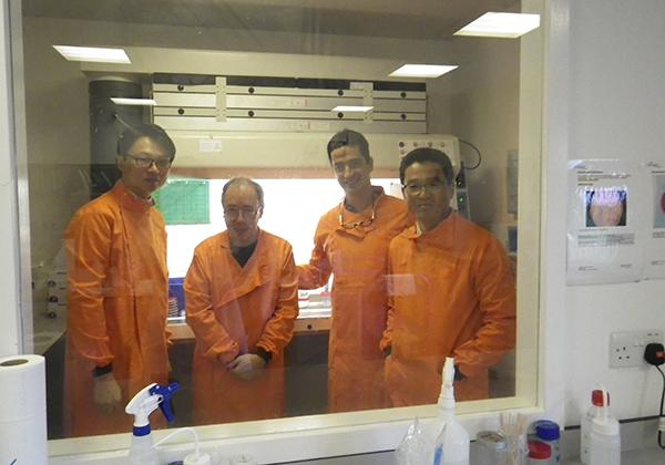 Young_Ho_Keat_Richard_Jose_UK_lab_2014